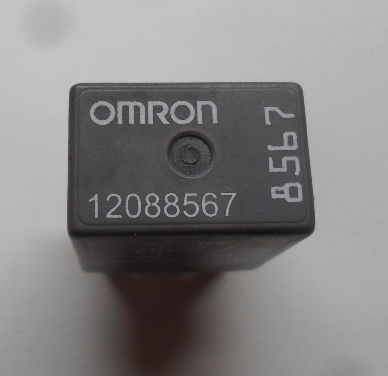 GM OMRON RELAY 12088567 6 MONTH WARRANTY TESTED OEM FREE SHIPPING GM7