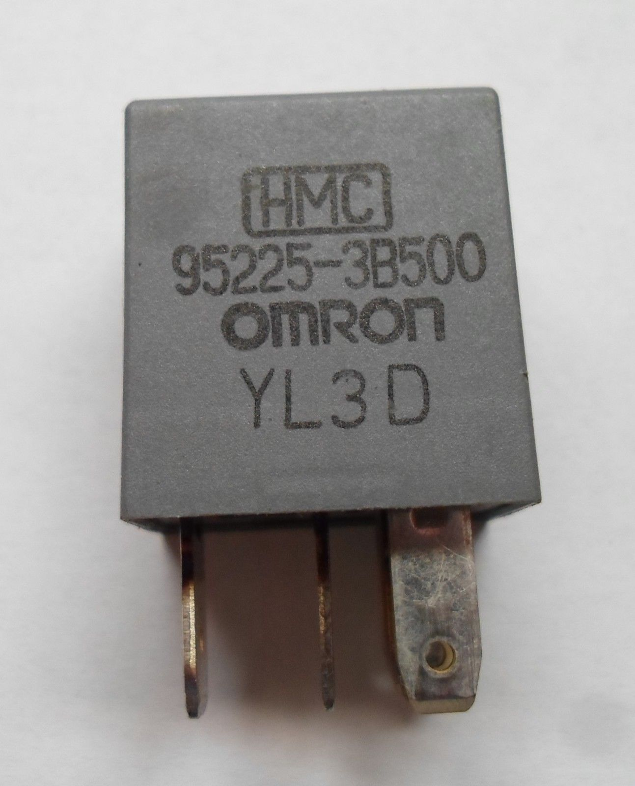 HYUNDAI RELAY 95225-3B500  TESTED 6 MONTH WARRANTY FREE SHIPPING HY1