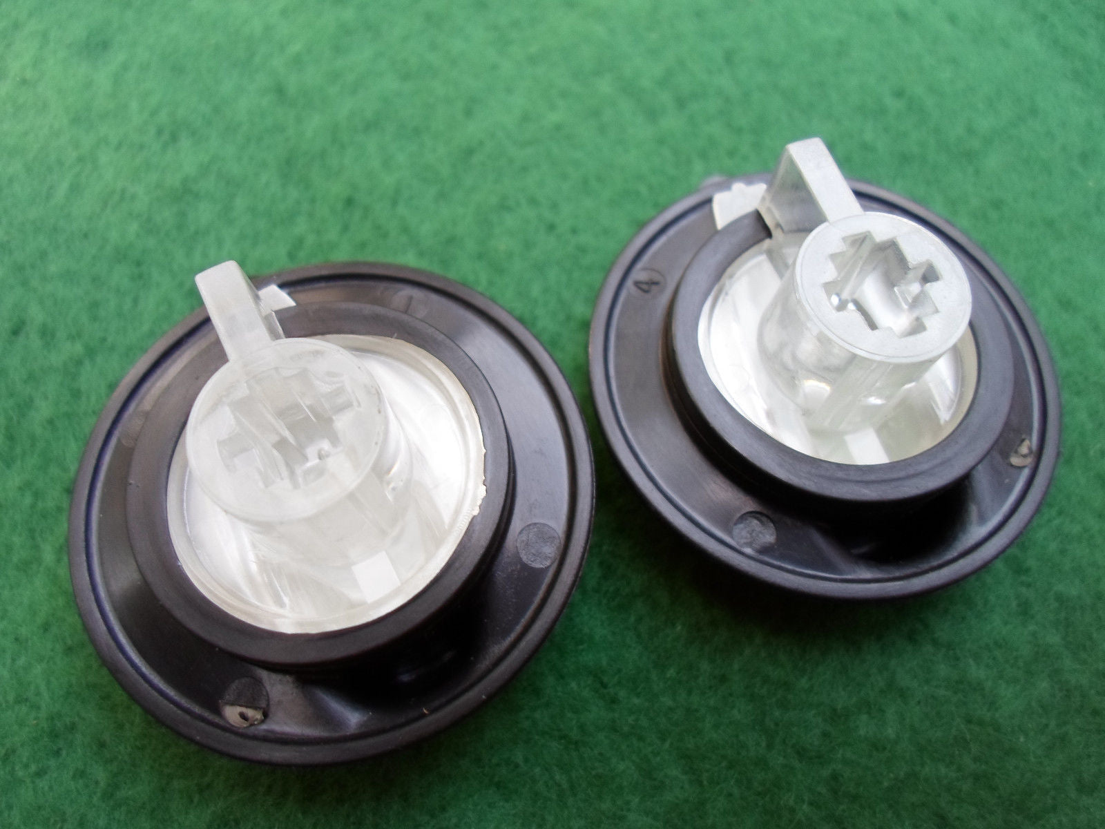 2000 - 2005 SATURN L  SERIES CLIMATE CONTROL KNOB SET OF  2  OEM FREE SHIPPING!