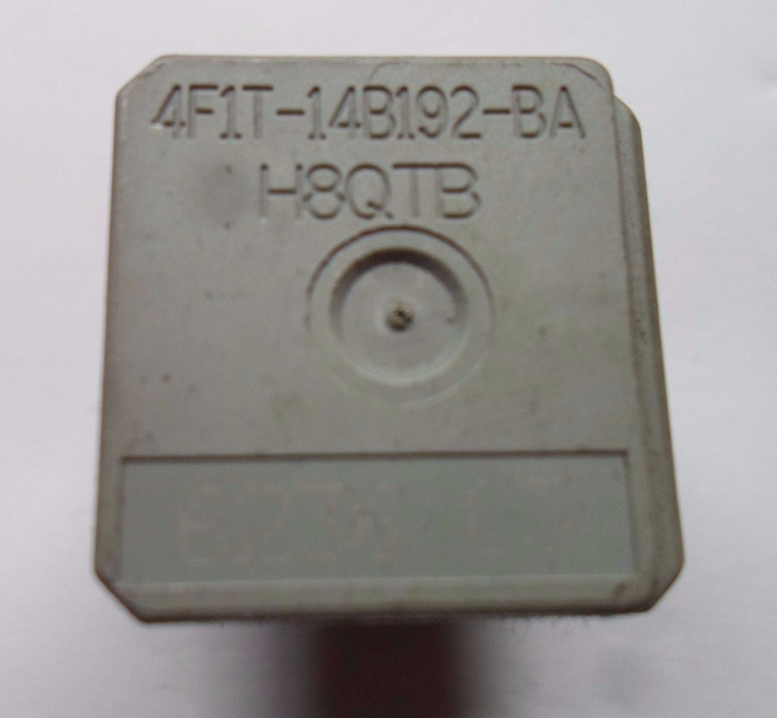 FORD OEM RELAY 4F1T-14B192-BA    H8QTB  TESTED FREE SHIP 60 DAY WARRANTY  F3