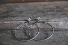 Load image into Gallery viewer, Zephyr Hoop Earrings