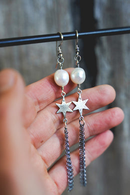 Shine Earrings -- Pearl