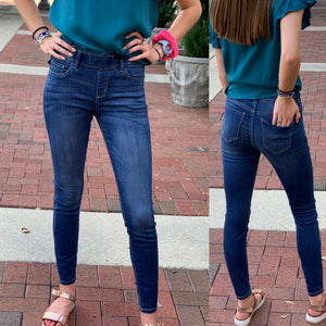 Mid Rise Pull On Crop Skinny