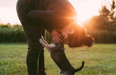 Does My Dog Love Me? 10 Ways Your Dog Is Saying