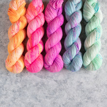 Load image into Gallery viewer, Summer Breeze - 5 Skein Gradient Set - Sock 100g's