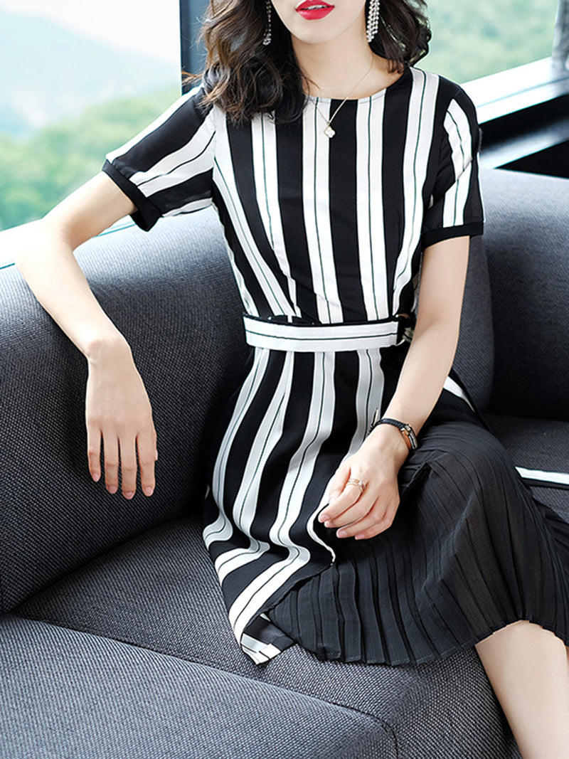 White Elegant Stripes A-line Short Sleeve Chiffon Dress