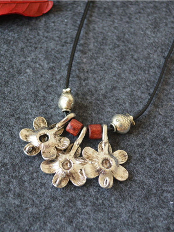 Vintage Flower Silver Necklace