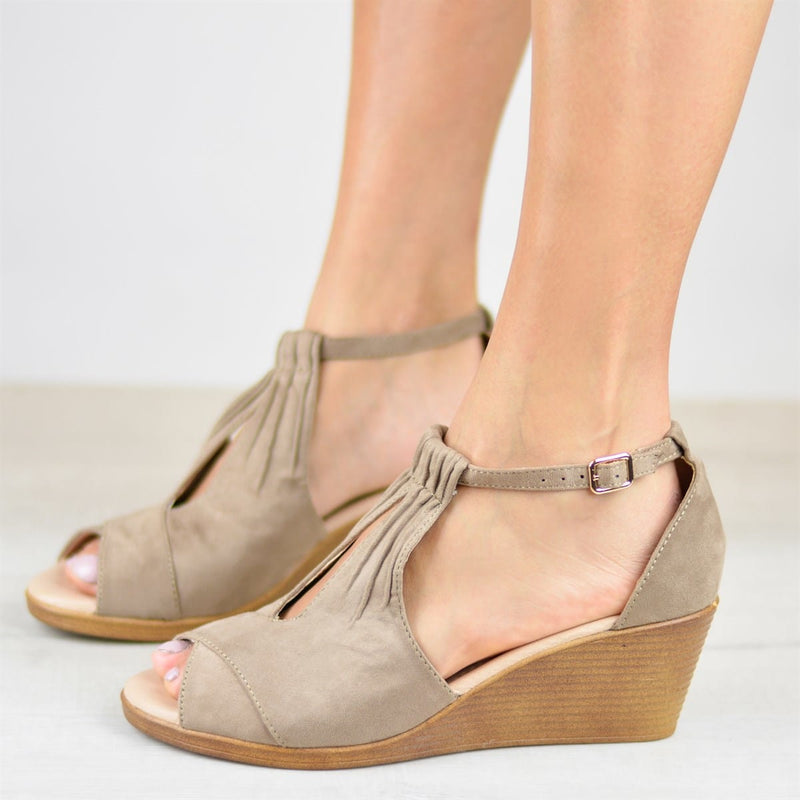 Plus Size Comfort Sole Center Cut Wedges Peep Toe Wedge Sandals with Buckle