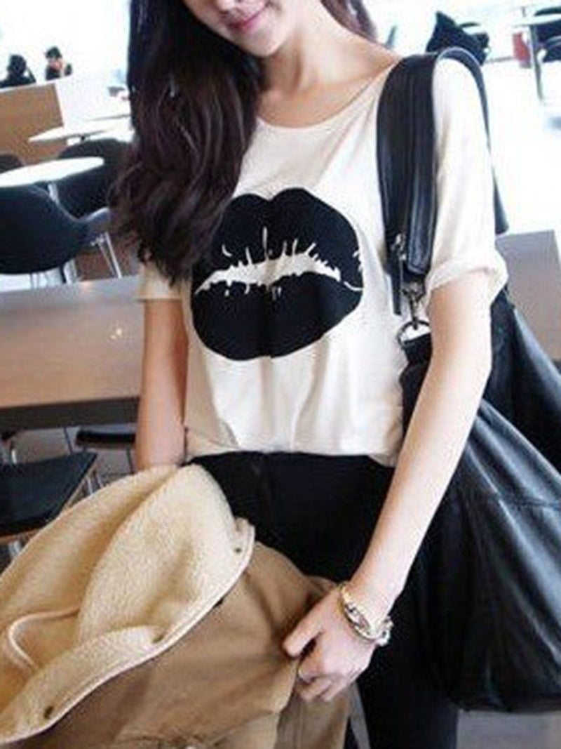Casual Lips Printed Crew Neck T-Shirt