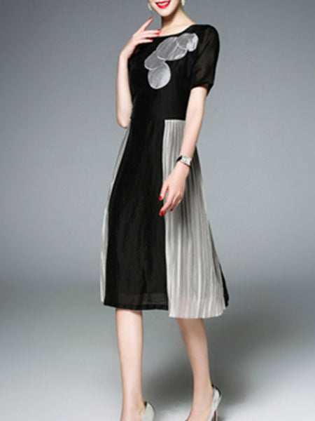 Black Paneled Short Sleeve Crew Neck Casual Dress