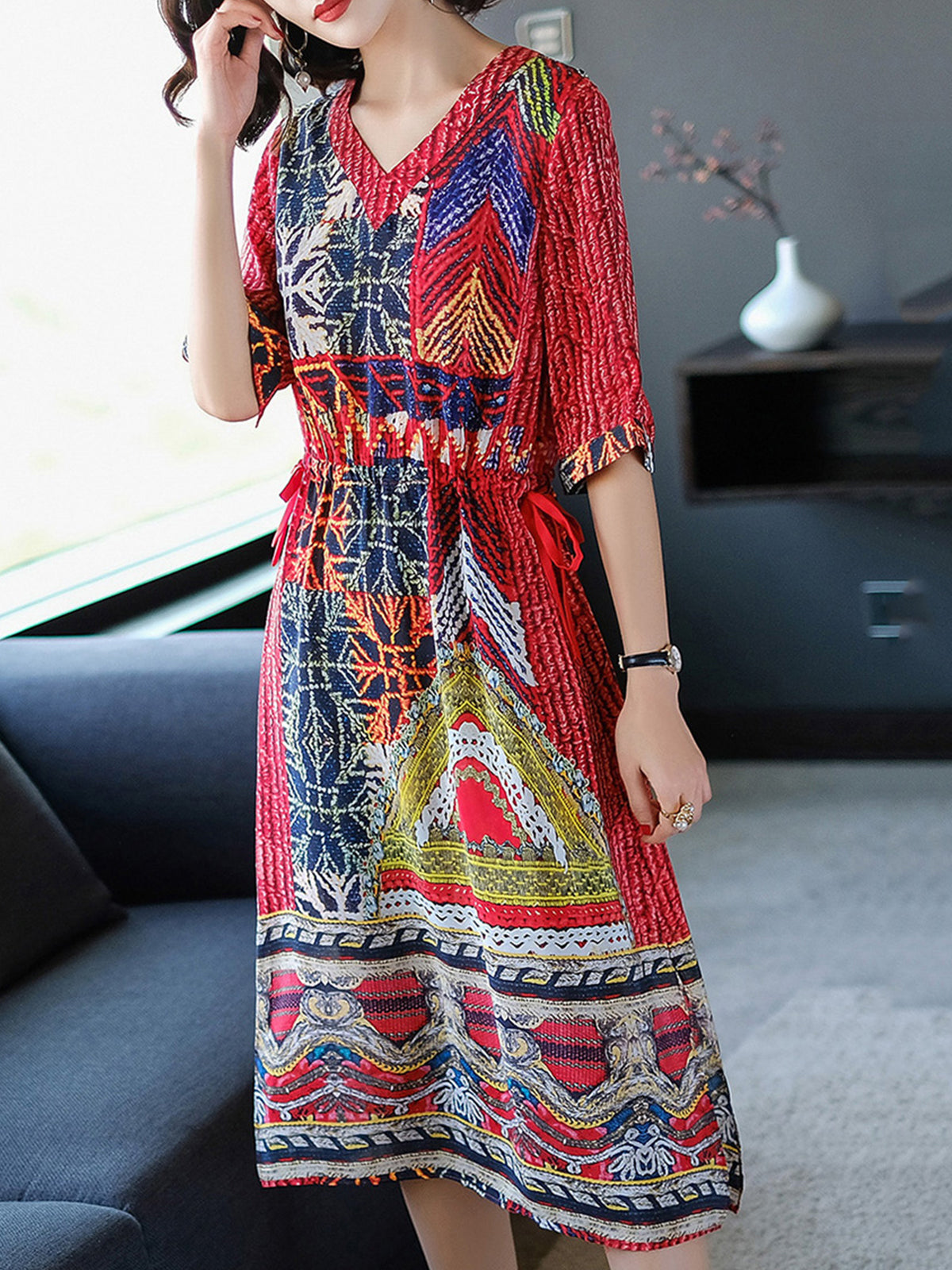 Abstract V Neck Drawstring Waist Slit Dress