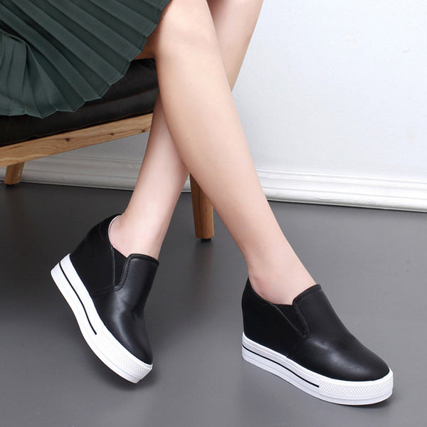 Round Toe Women Platform PU Fashion Sneakers