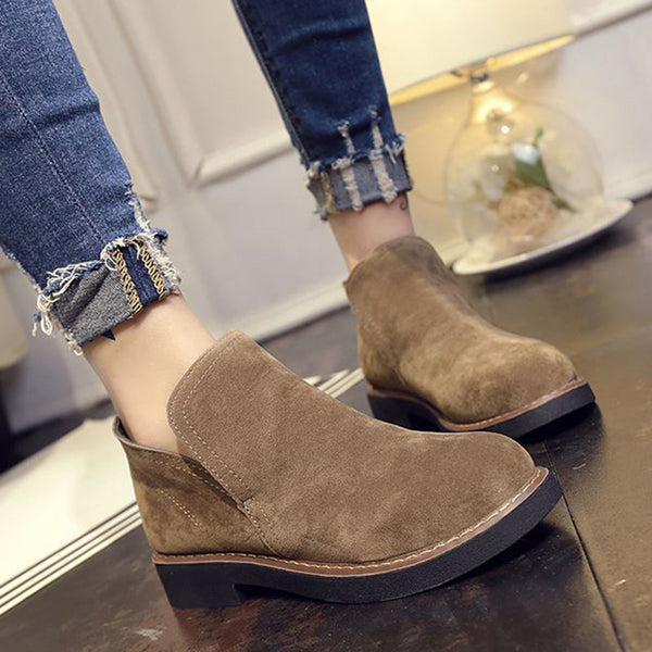 Round Toe Women Slip-On Suede Loafers
