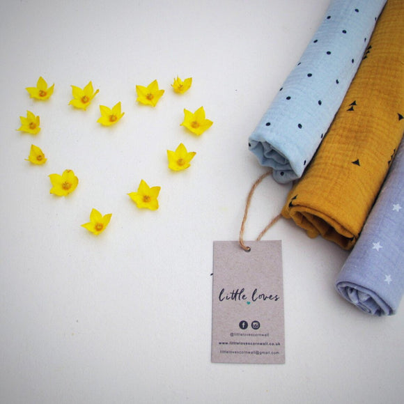 Set of 3 100% cotton muslin cloths, Mustard Triangles, White Bicycles, Blue Feathers