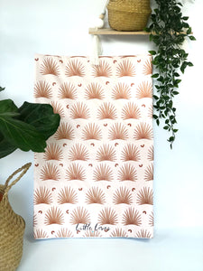 Desert palms anti roll changing mat
