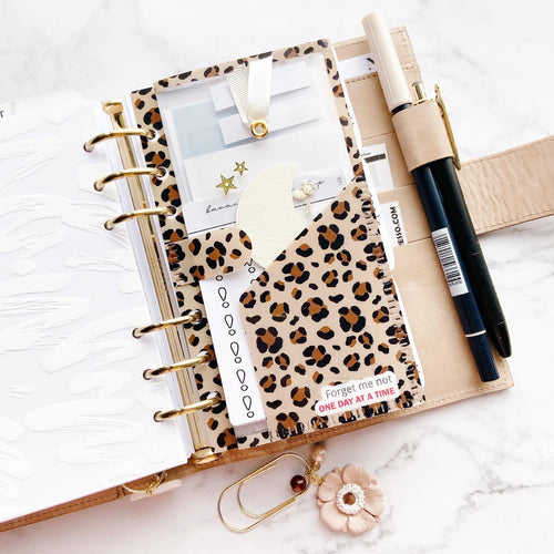 PD07 - Personal Rings - Leopard Tri-Fold folder for sticky notes and page flags