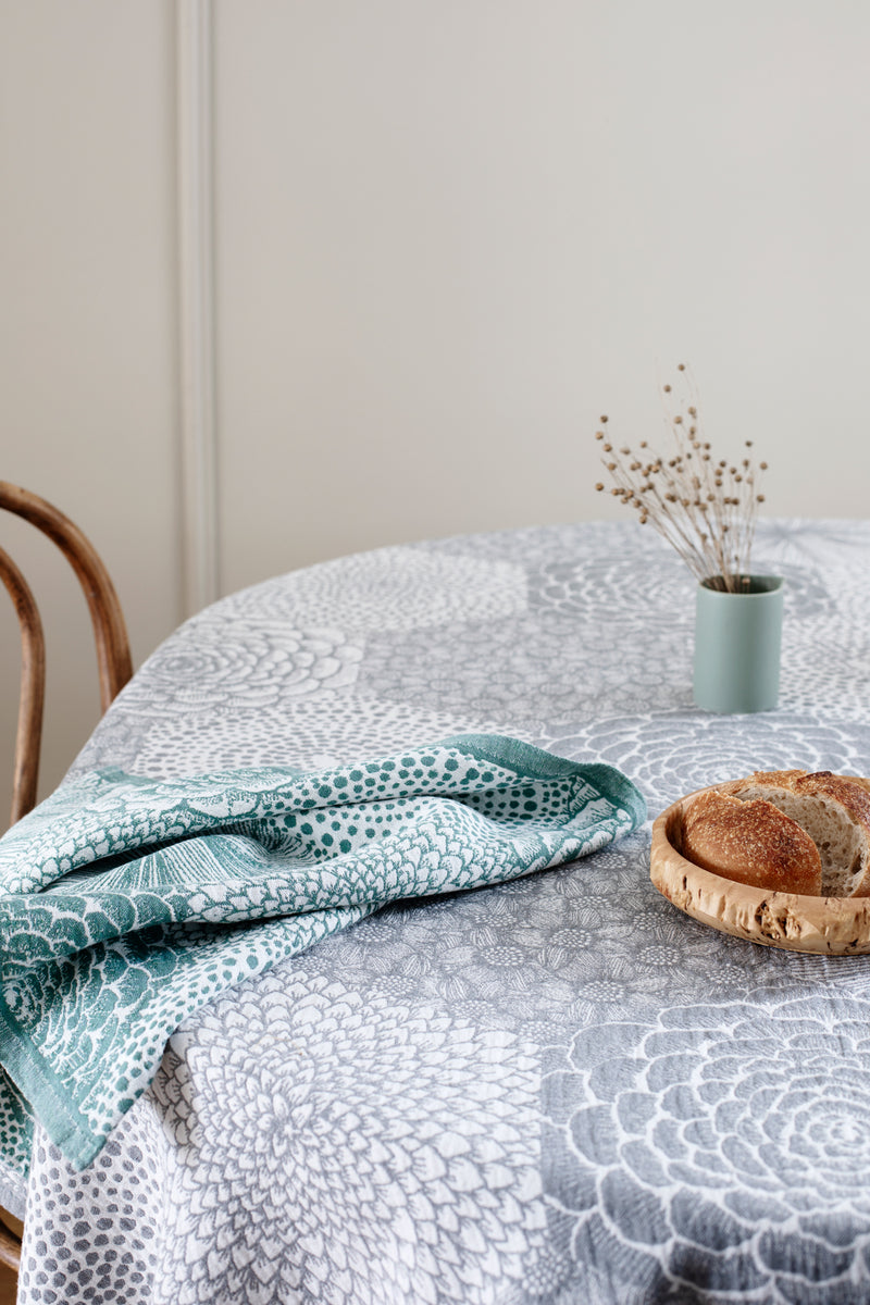 products/lapuan_kankurit_ruut_tablecloth_and_towel_by_heini_riitahuhta_0-_1.jpg