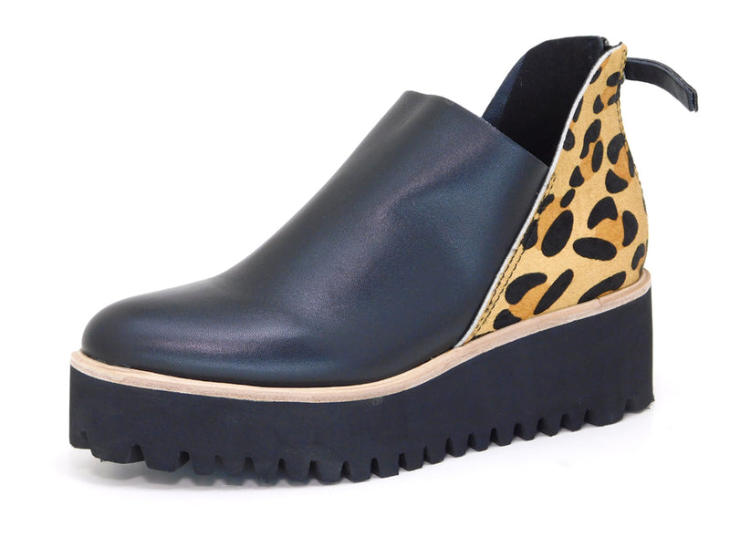 All Black Flatform Jungle Tread Leopard