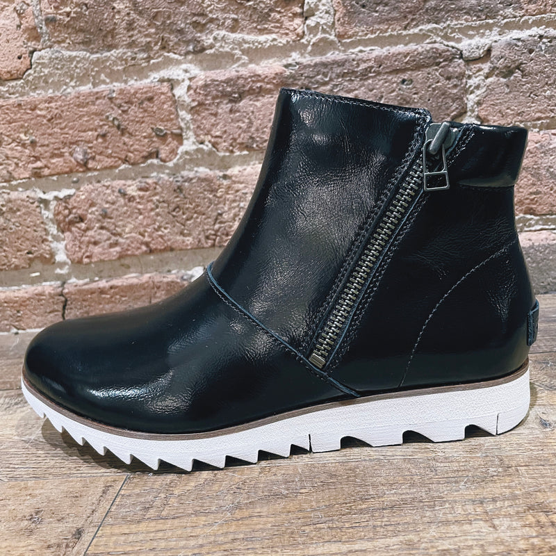 Sorel Harlow Zip Black Patent
