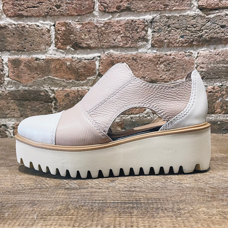 All Black Soft Cutout Cowman Flatform Nude