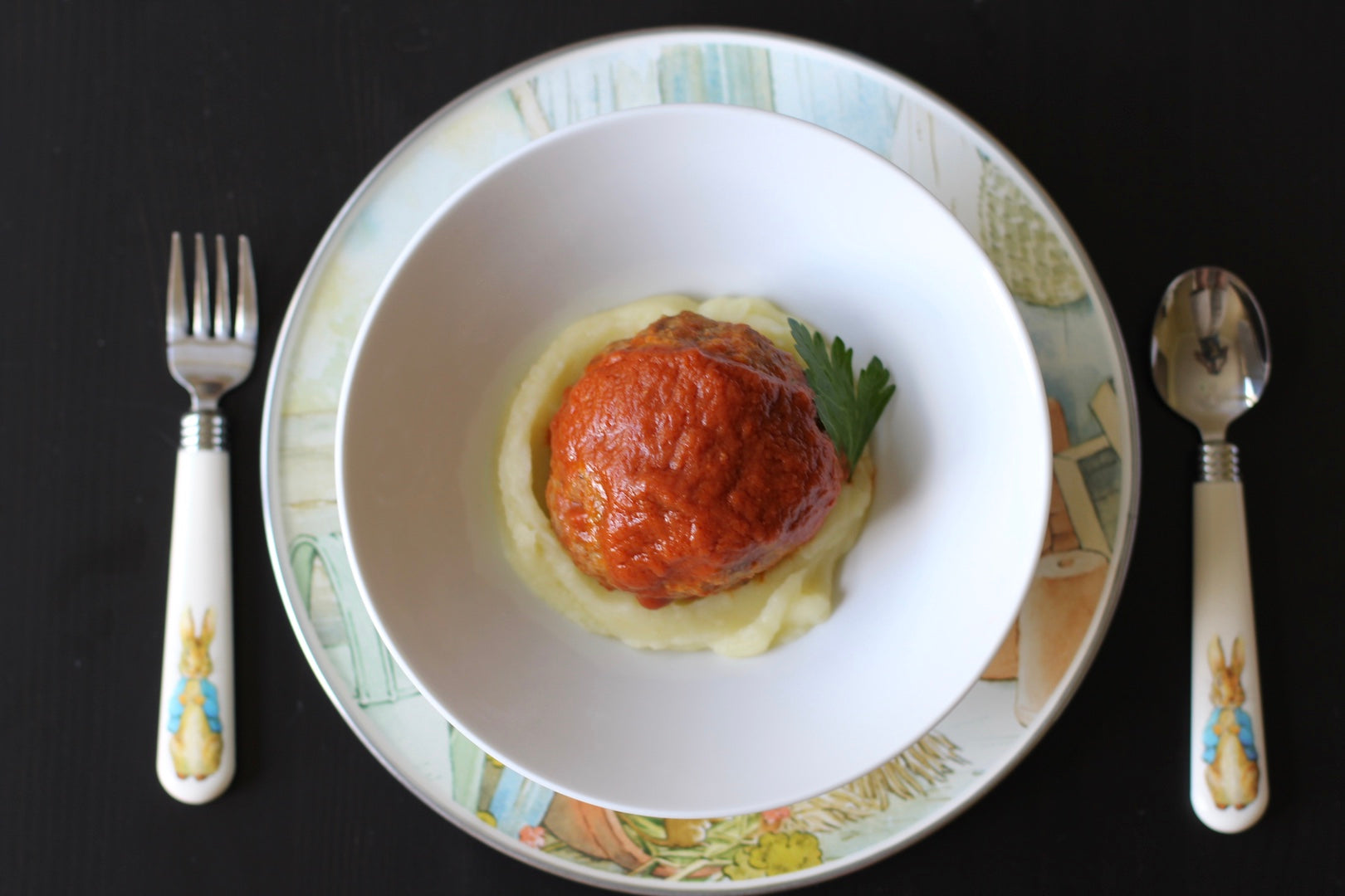 kids meatball and mashed potato with tomato sauce