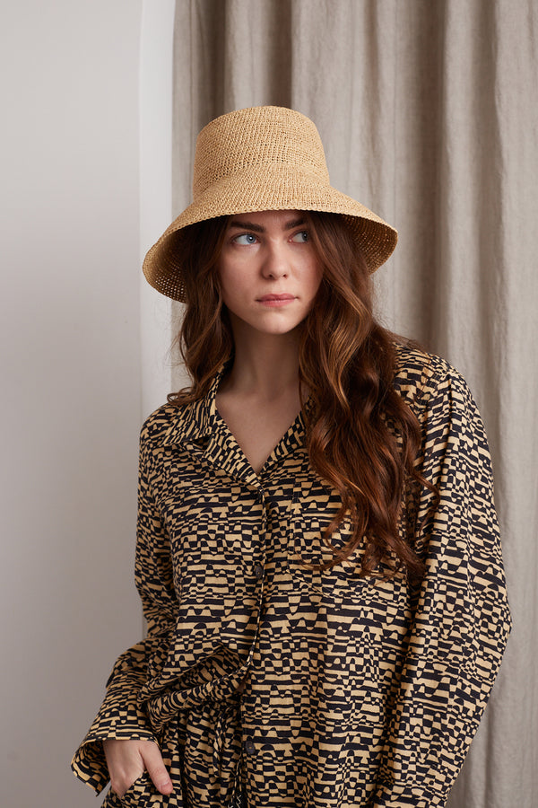 JANESSA LEONÉ FELIX HAT IN NATURAL