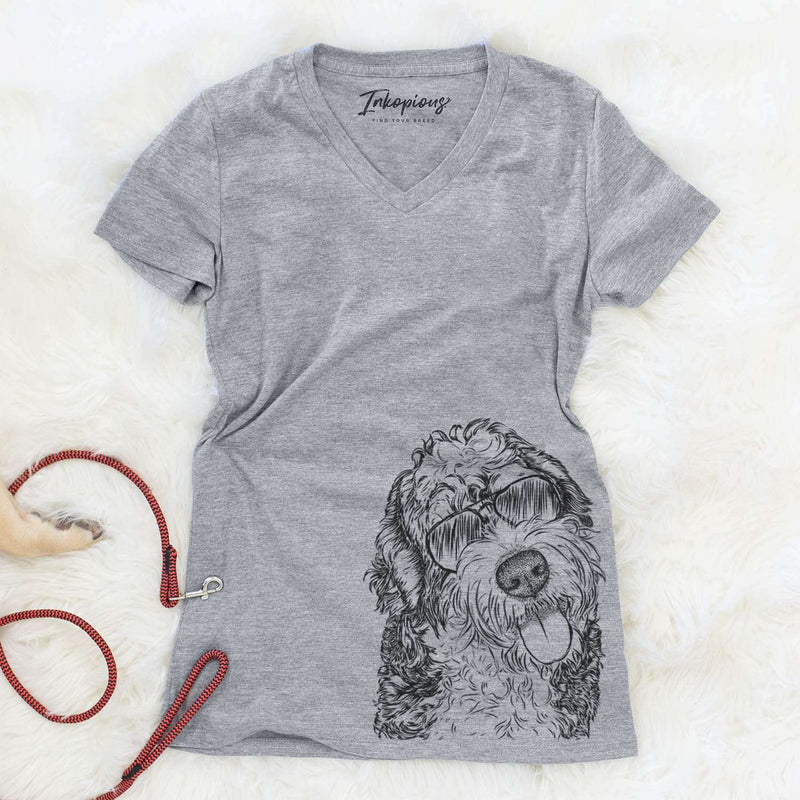 Kaci the Bernedoodle - Women's Modern Fit V-neck Shirt