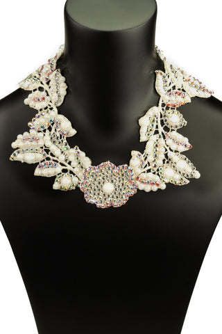 Pearl Flower with Leaves Collier Necklace-Front View | SM Dance Fashion