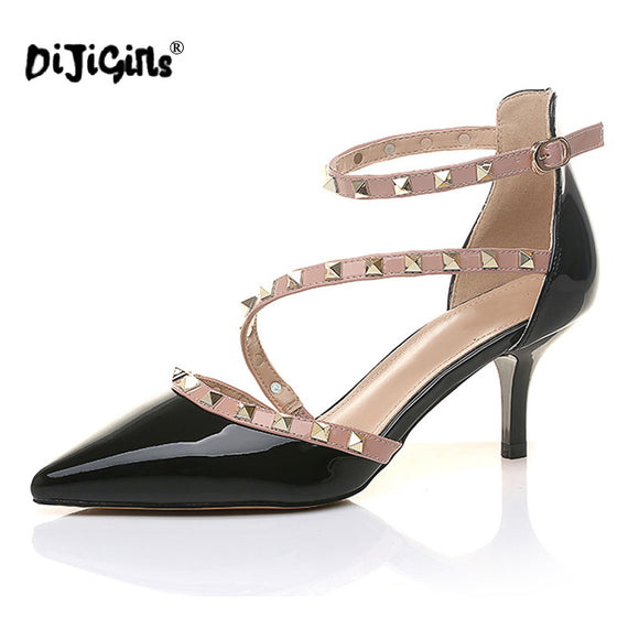 Pointed Toe pumps, Buckle rivets