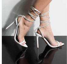 Load image into Gallery viewer, Cristal lover heel