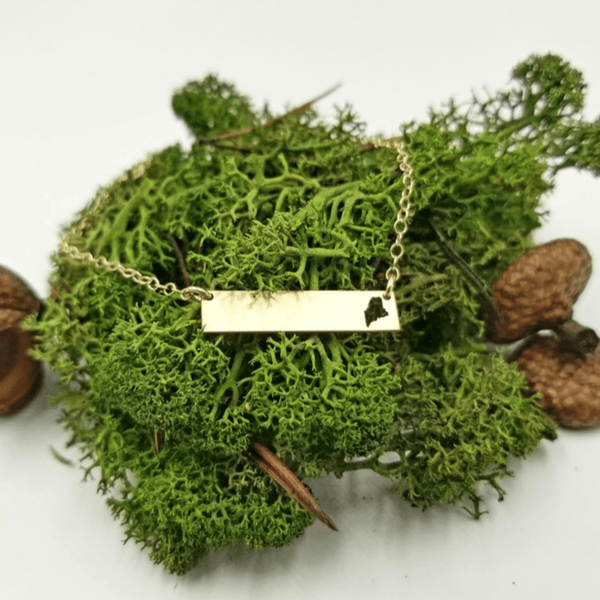 Maine Bar Gold Necklace
