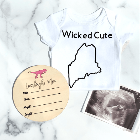 Personalized Baby Newborn Announcement Circle Sign