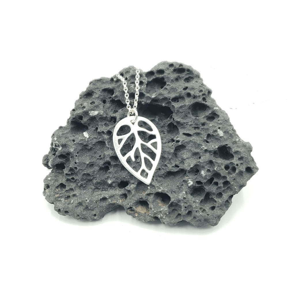 Leaf Cutout Pendant .925 Necklace