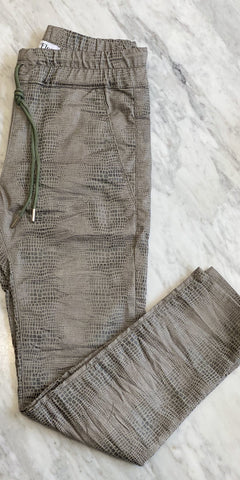 Shely Pant - Green Snake-Sea Biscuit Del Mar