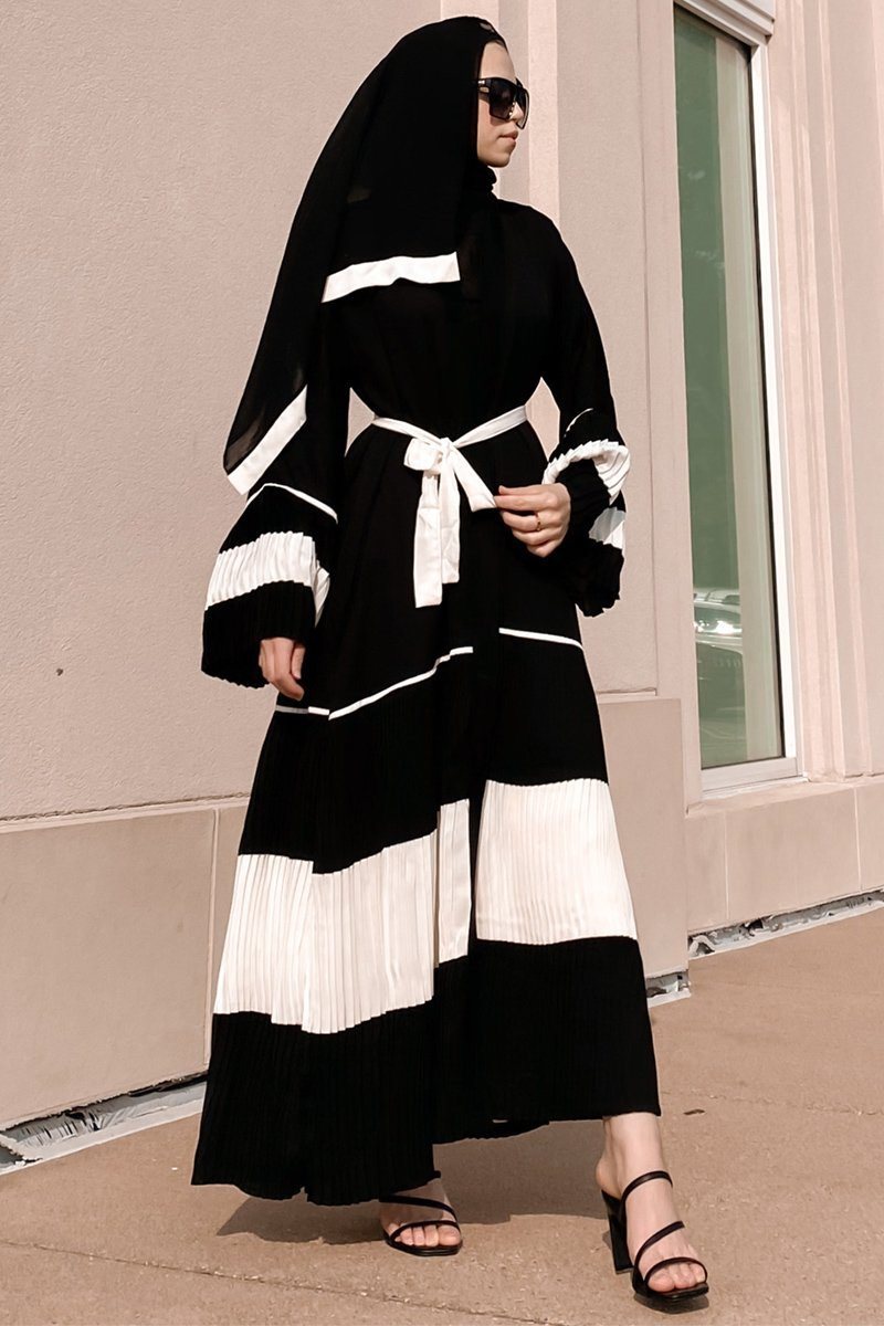 Pleats and Trim Abaya