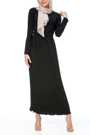 Alef Pleated Skirt Black