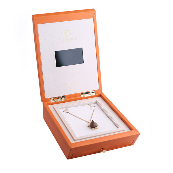 OUD TURTLE NECKLACE 2