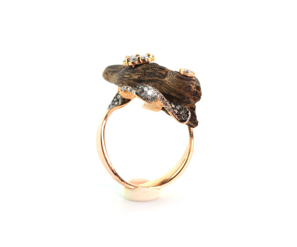 OUD RING FLOWERY TRUNK