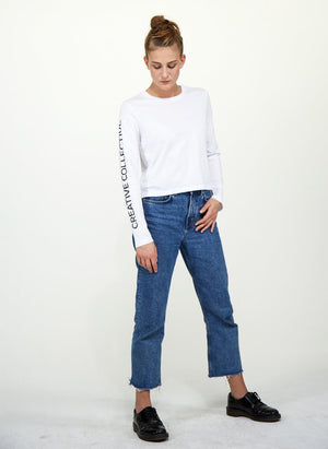 LA_B Cropped Longsleeve white woman