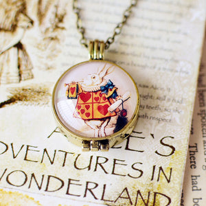 Alice In Wonderland Secret Locket Necklace - The Queen Of Heart Musician