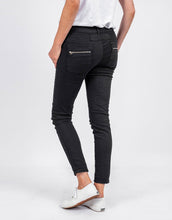 Italian Star Button Jean Black