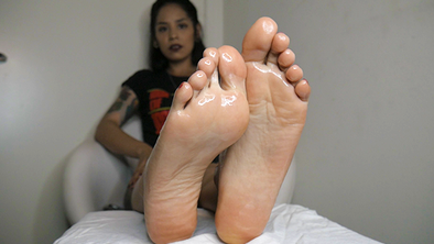 Laura's Oiled Soles