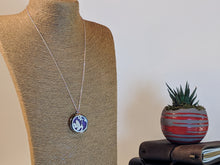 Load image into Gallery viewer, Flower Necklace - Essential Oil Diffuser Jewelry