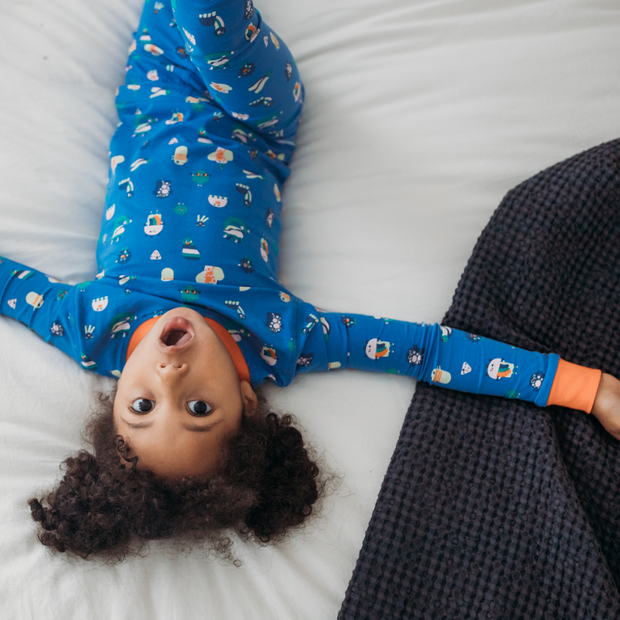 little girl with organic cotton pyjamas