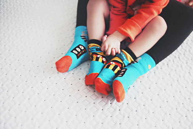 Mommy and Me Matching Socks - Inside a Robot | Q for Quinn