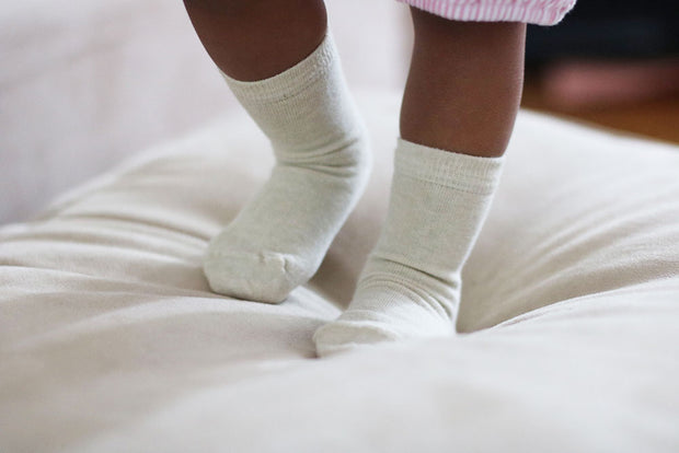 baby wearing pure organic socks | Q for Quinn