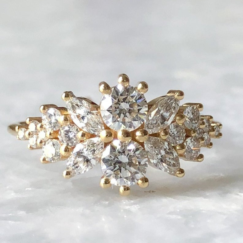 round flora diamond cluster ring