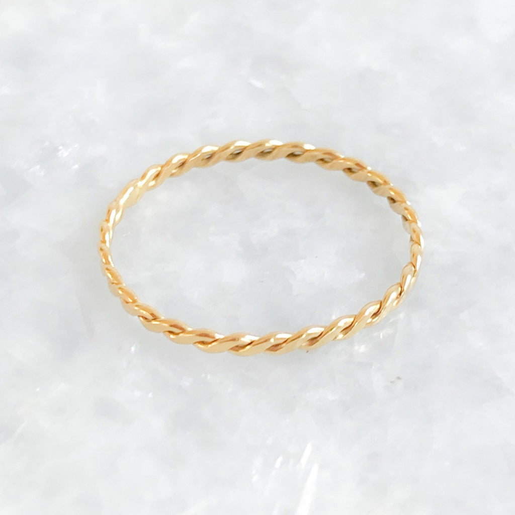 flat twisted band