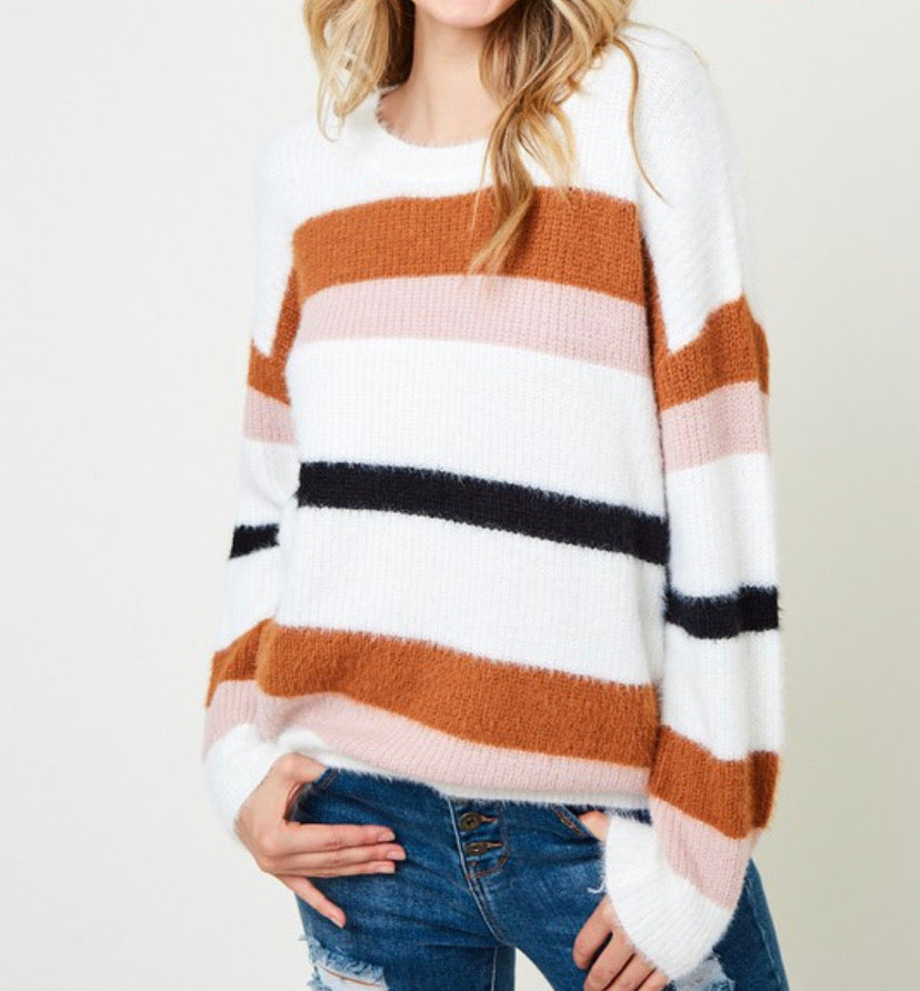 Lizzy Sweater - Extended Size