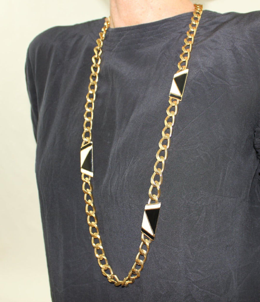 Graphic Necklace